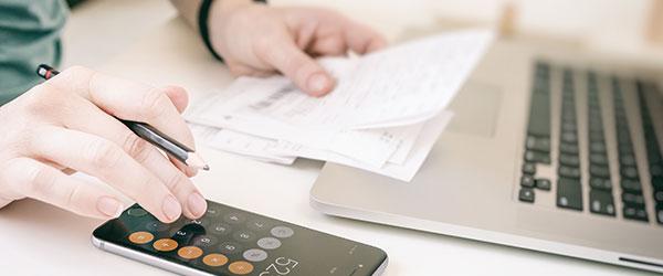 Ejemplos de anular una factura emitida por error